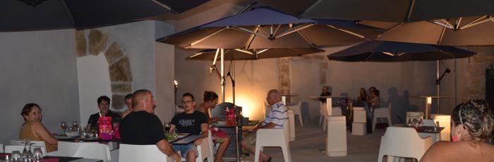 pasteur-patio-nuit