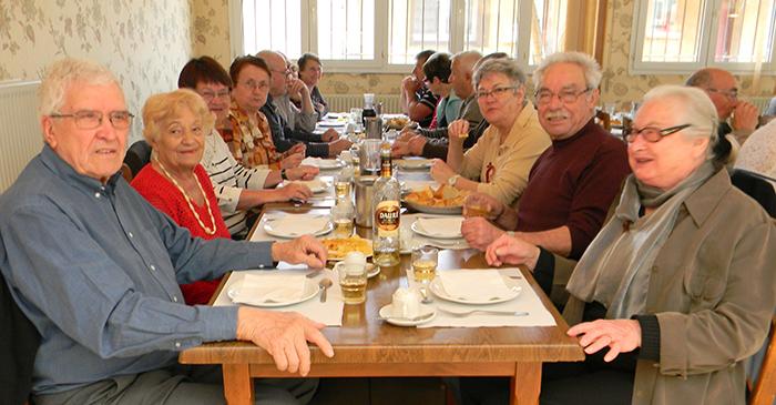 aines-repas-benevoles mars2015