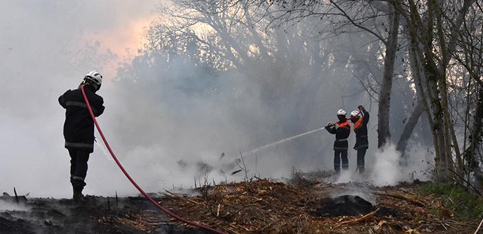 pompiers Trèbes bord d'aude