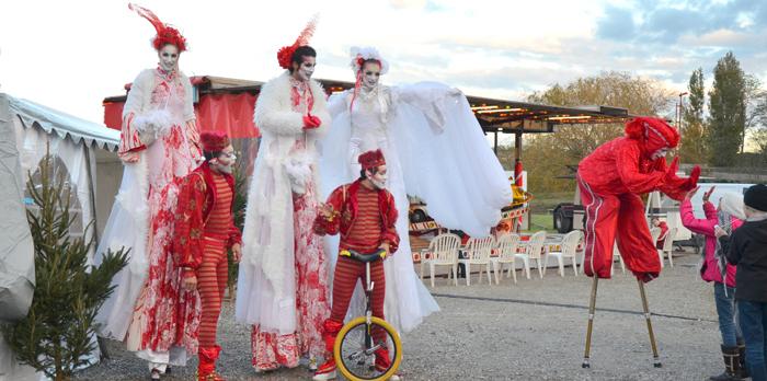 marche-de-noel-parade2013