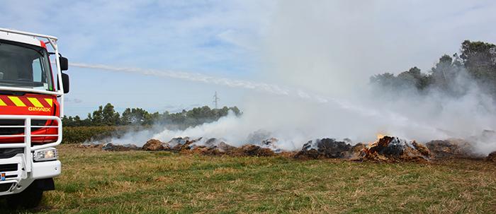 pompiers-balles de pailles sept2014