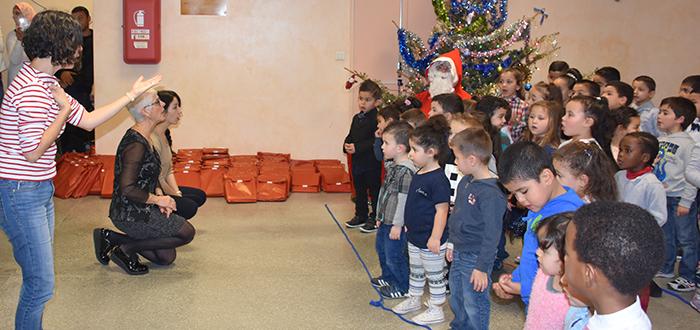 maternelle de l'Aiguille Noël 2016